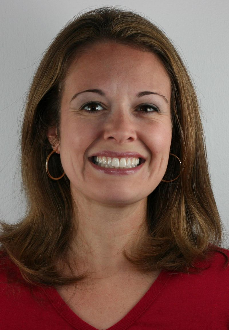 Stephanie O'Dea color tight crop